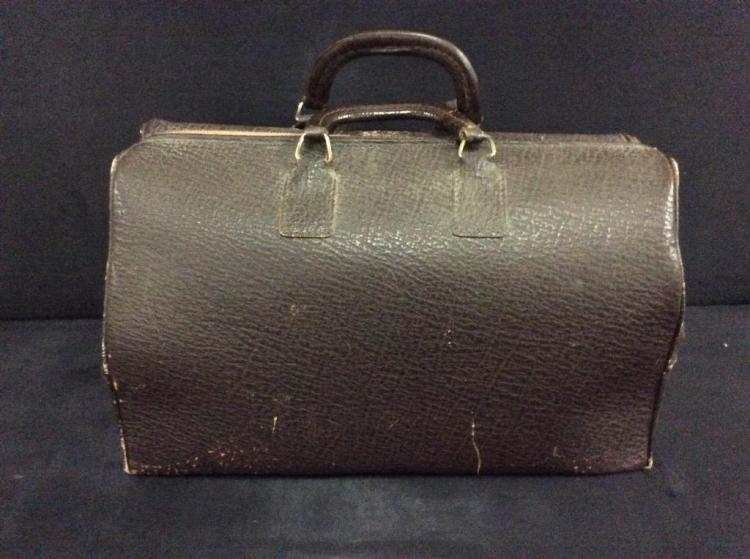 Vintage Doctors Bag / old school briefcase in fair cond