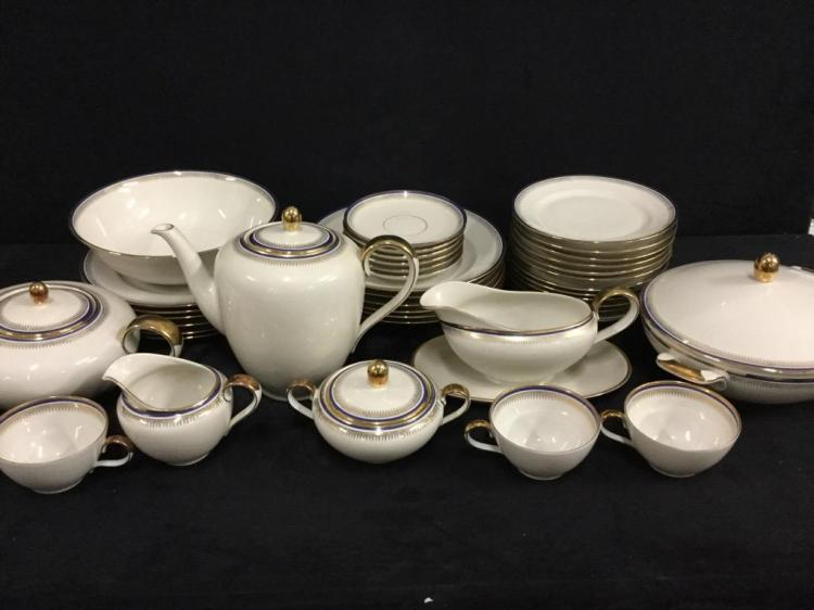 Johann Seltmann Vohenstrauss Gold China & tea Set