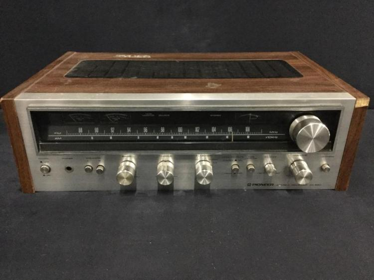 Vintage Pioneer Stereo am/fm Receiver in good cond sx-590