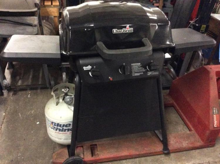 A Charbroiled quickset outdoor BBQ W/ cover