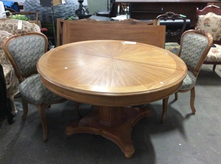 Mid Century Round table with gorgeous design and 2 leafs + 4 60's Antique look Chairs - walnut