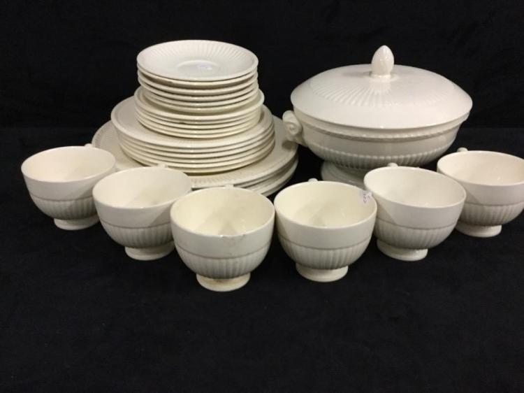 30 piece wedgewood china set including tureen
