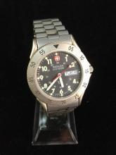 a swiss made Wenger DAK designed wrist watch in good condition, needs battery