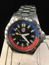 a swiss made luminox wrist watch in good condition, needs battery