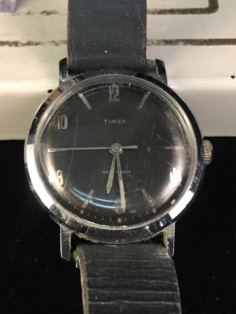 2 Vintage Timex Dress Watches Both In Great Condition Need