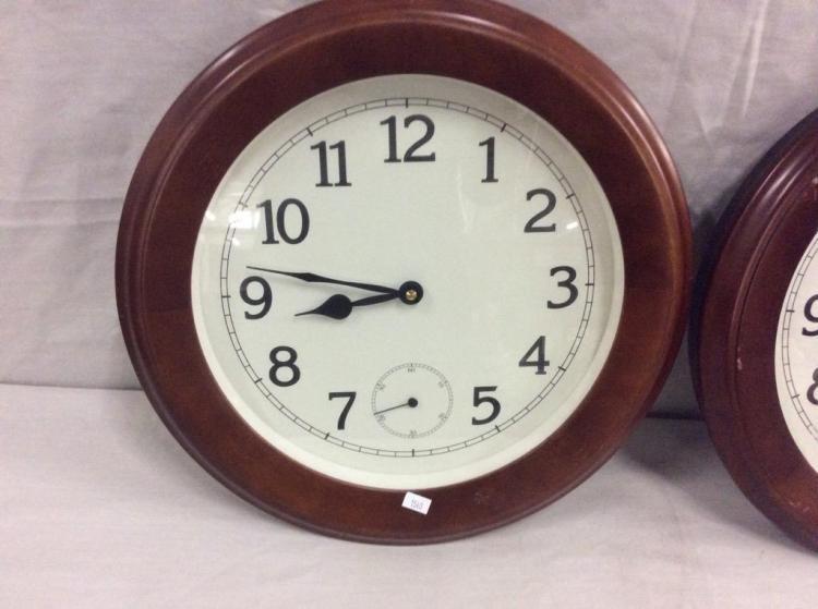 Very Cool Electric Kit Clock 2 Matching Wall Clocks See Pi