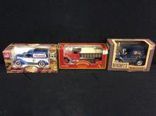 1 Hershey's model car with 2 model car coin banks