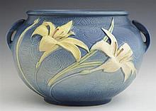 Large Roseville Blue Zephyr Lily Handled Jardinière, #671-8, H.- 8 1/4 in., W.- 13 in., D.- 12 1/4 in.