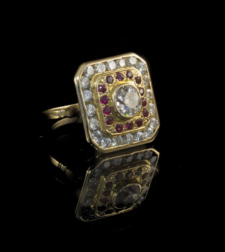 18K yellow gold diamond ring with ruby