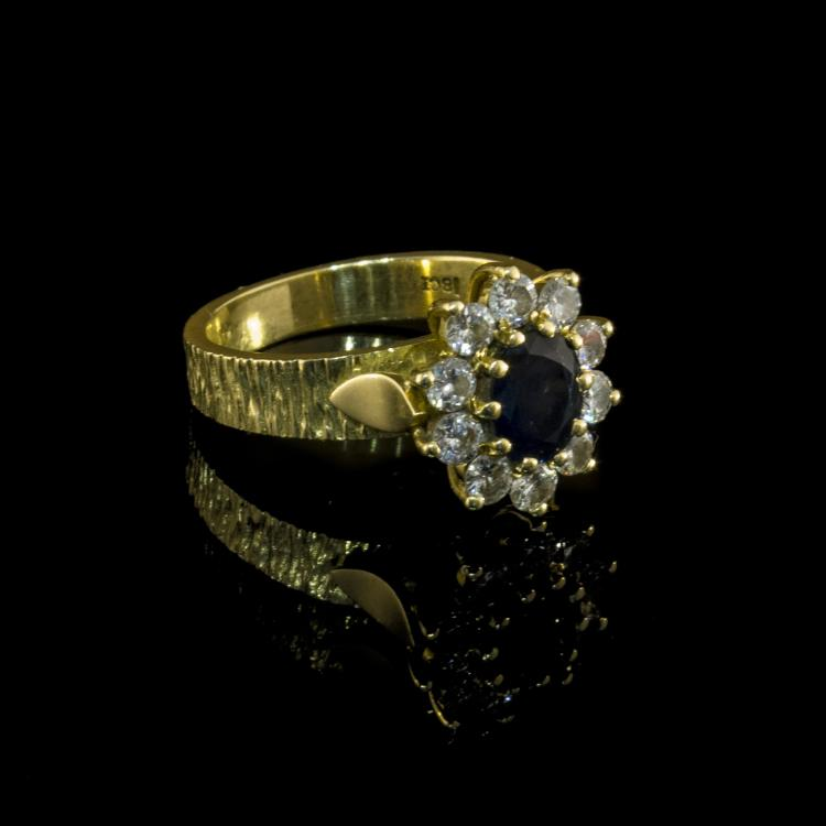 18K yellow gold diamond ring with sapphire