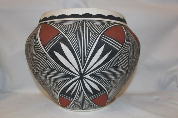 Acoma Pottery : Stunning Acoma Fine-Line Polychrome Pottery Olla by