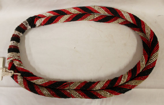 Festival Jewelry : Vintage Konyak,