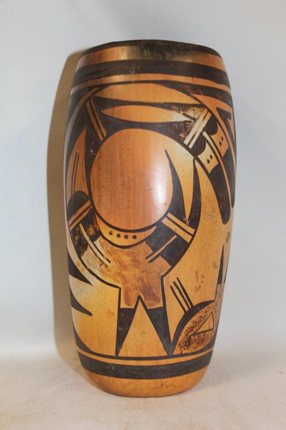 Hopi Vase : Very Nice Vintage Hopi Tulip Vase #281 b.