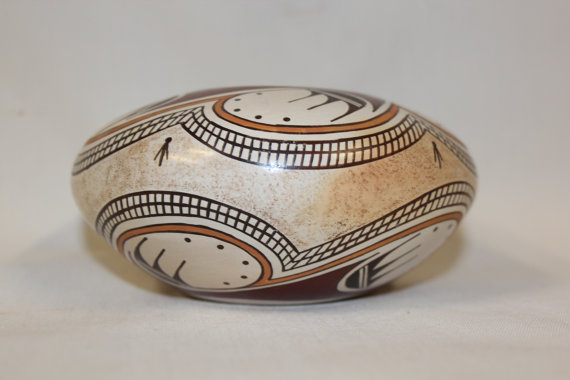 Hopi : Exceptional Native American Hopi Pottery Jar, by Tyra Naha #182