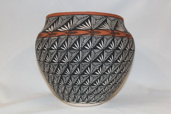 Pottery : Excellent Native American Acoma Pottery Jar, by I. Chino #181