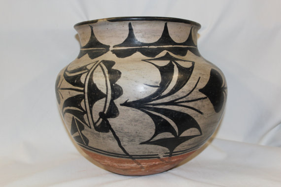 Southwestern Pottery : Very Good Native American San Ildefonso Olla #189