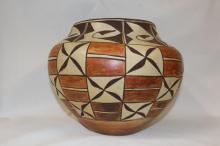 Arizona Pottery : Native American Laguna Pottery Jar #151