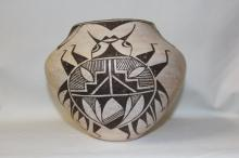 Southwest Pottery : Very Rare Acoma Bettle Pot #145
