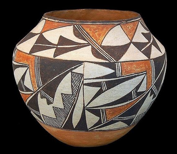 Pottery Vessel : Vintage Acoma Polychrome Pottery Vessel #45
