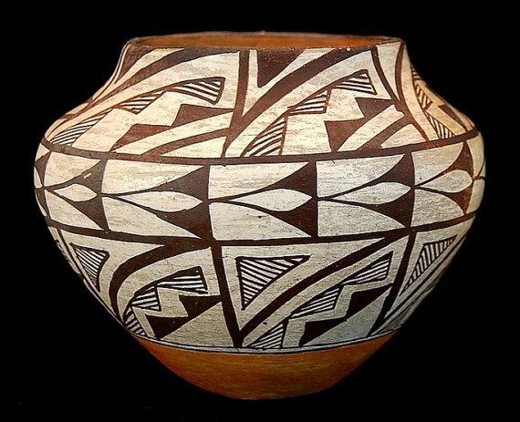 Vintage Pottery : Vintage Acoma Polychhrome Pottery #46