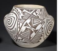 Acoma Jar : by Marie Z. Chino #194