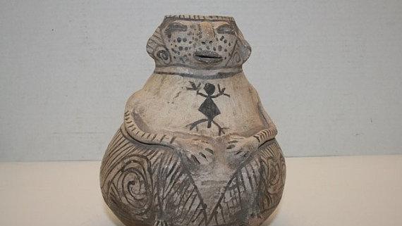 Reproduction Casas Grande Hohokam Male effigy Jar #188