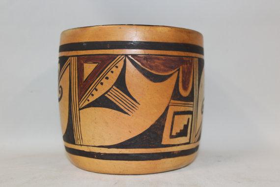Hopi Pottery : Unusual Shaped Vintage Hopi Pottery Bowl #281 a.