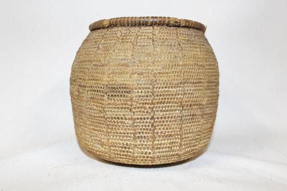 Vintage Basket : Vintage Handmade Omani Bedouin Lidded Basket, #864