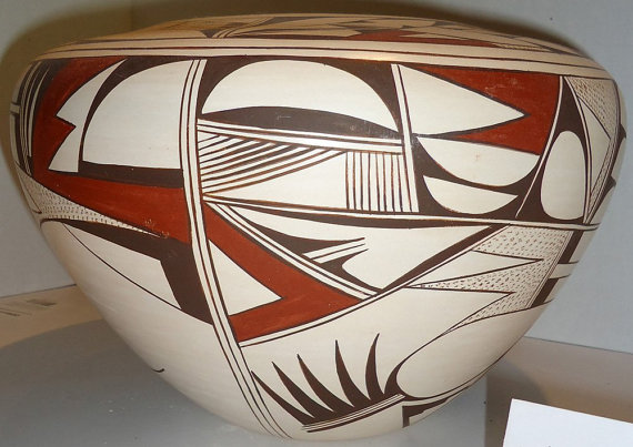 Native American Hopi Poly-chrome Pottery pot by Joy Navasie, #849
