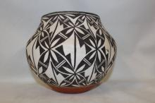 Acoma Pottery : Outstanding Acoma Polychrome Pottery Olla with Interior Banding