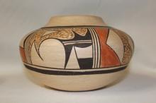 Pottery : Very Good Native American Hopi Pottery Jar by Stella Huma