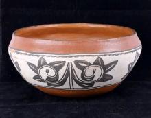 Pueblo Pottery : Vintage Taos Pueblo Pottery Polychrome Bowl