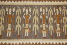 Navajo Rug : Beautiful Earth Tone Navajo Yei Figured Rug