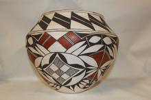 Native Pottery : Fantasitic Acoma Polychrome Pottery Olla