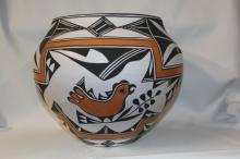 Native American Pottery : Great Large Acoma Polychrome Jar with Bird, Floral, and Fine Line Motif