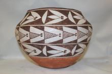 Vintage Pottery : Very Nice Vintage Acoma Polychrome Pottery Olla