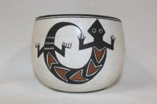 Native American Art : Very Good Condition, Native American Acoma Pottery Jar, by Emma Lewis