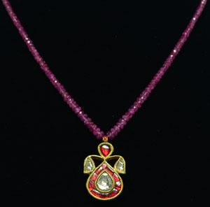 Gold enameled  Muhgal style Pendant