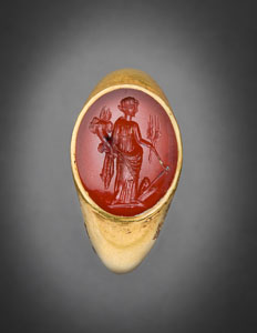 Republican Roman gold ring with cornelian intaglio of Fortuna Gubernatrix, goddess of fate, commerce, bounty