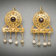 Imperial Roman opus interrasile gold earrings set with garnets and pearls