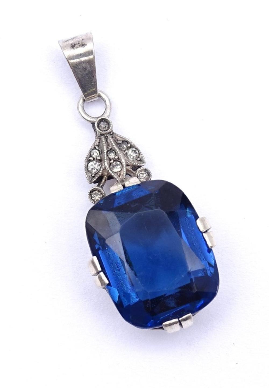 Silber Anhänger mit einen facc. blauen Stein, 5,1g.