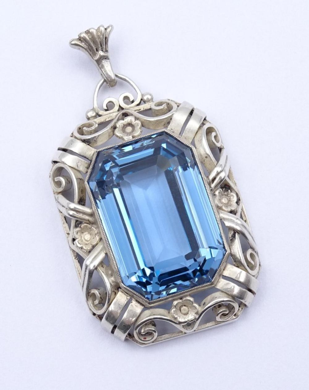Anhänger mit großen facc. blauen Stein,Silber 0.835 L- 4,8 cm, 14,0 g.