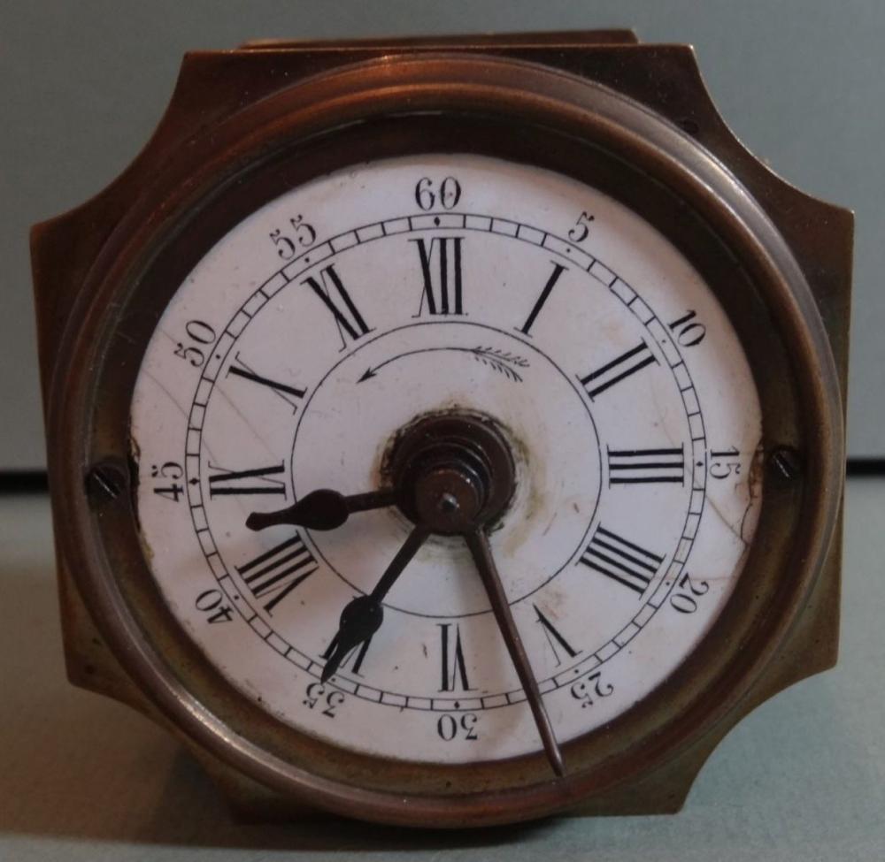 altes Uhren-Weckerwerk in Messinggehäuse