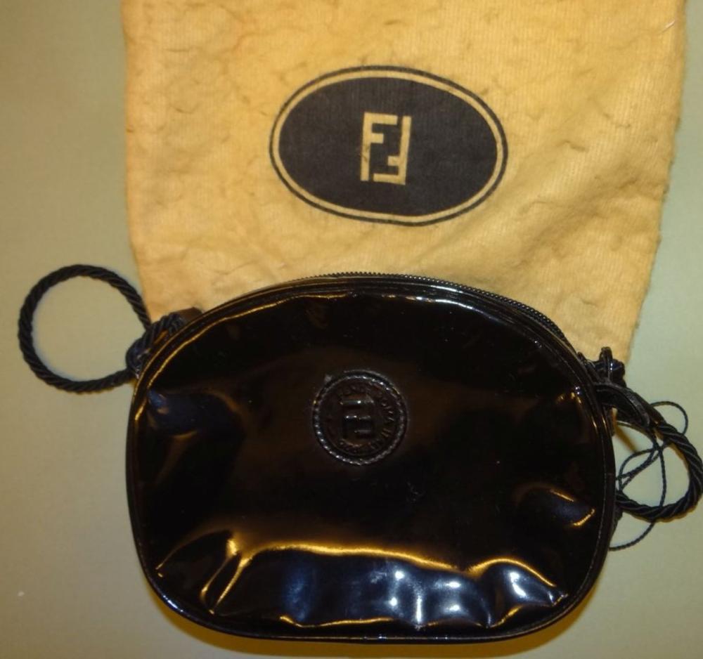 kl. Lack-Handtasche von Fendi, mit orig. Schutztasche