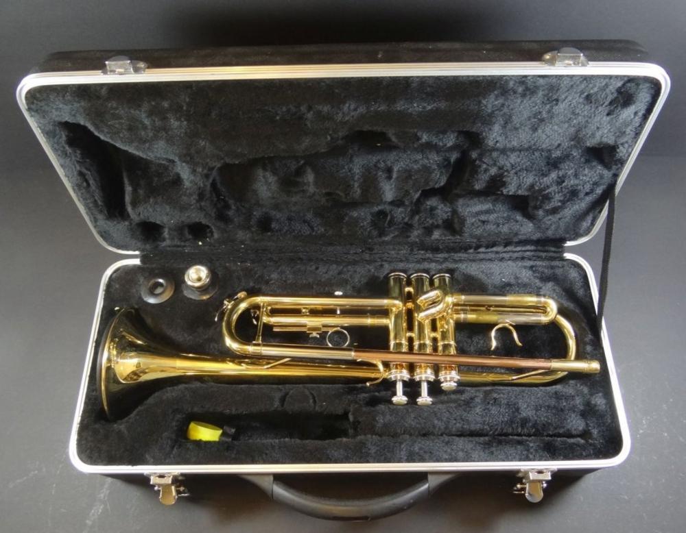 Golden Ton Trompete in Koffer