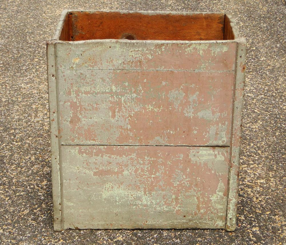 EARLY PAINTED WOOD BOX