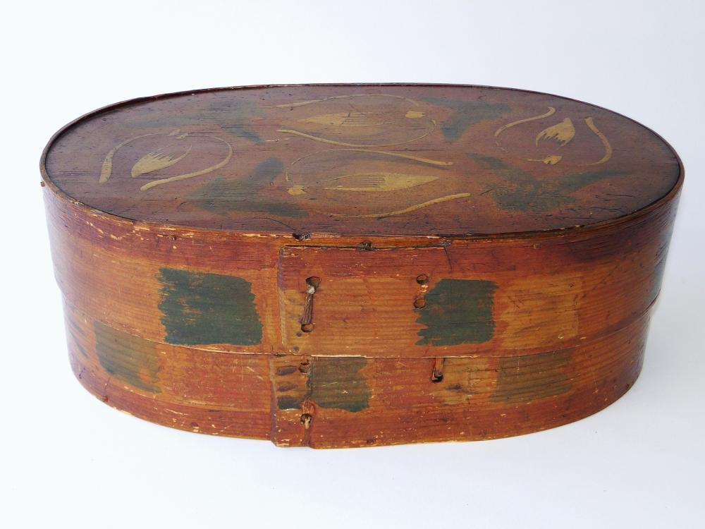 19TH C DECORATED OVAL BOX