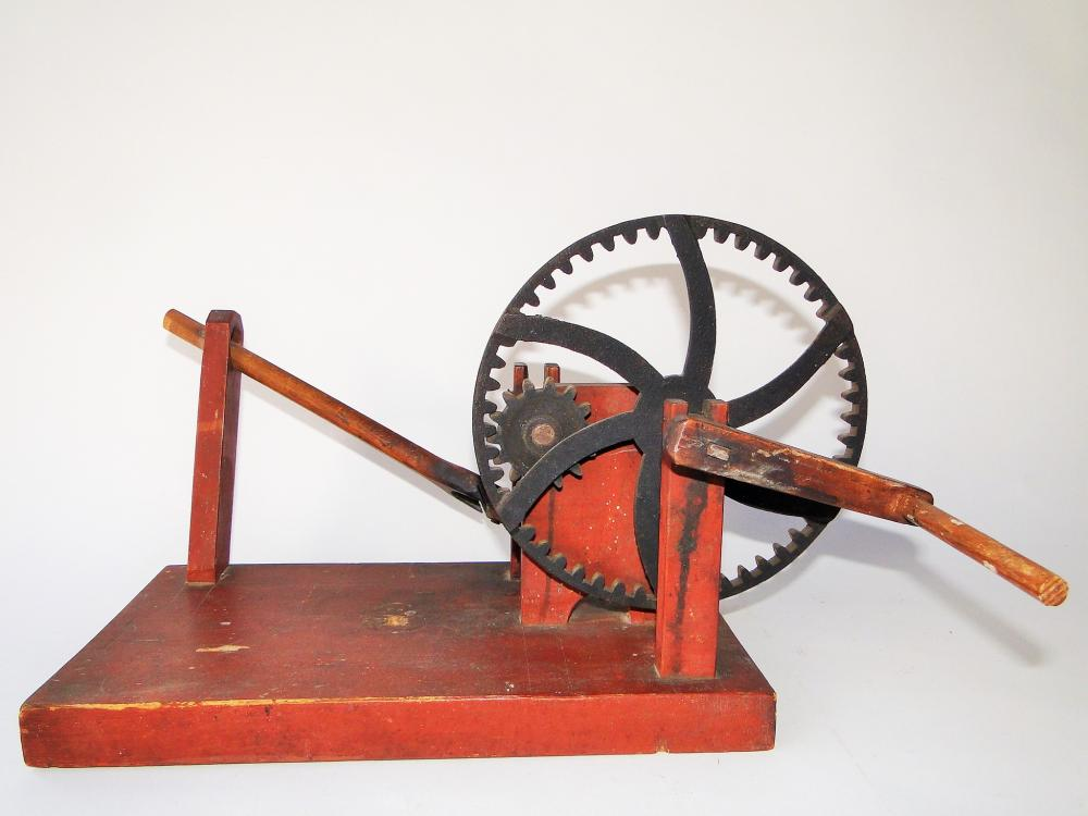 EARLY 19TH C WOODEN APPLE PARER