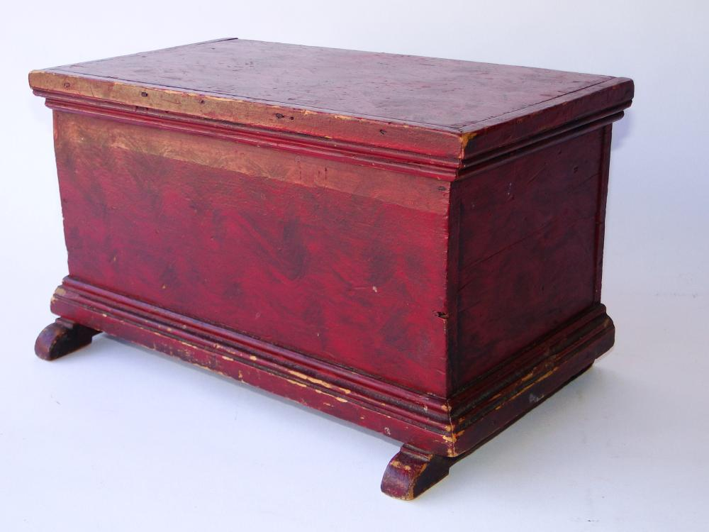18TH SMALL SHOEFOOT SIX BOARD CHEST