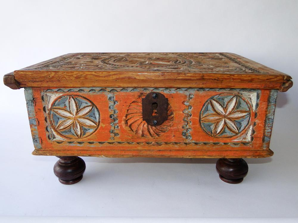 EARLY 18TH C CARVED BIBLE BOX